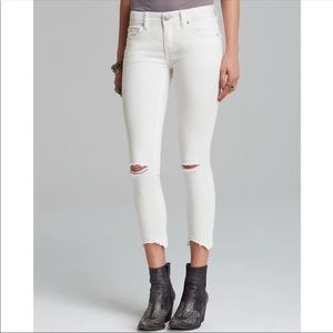 Free People • Distressed Jeans
